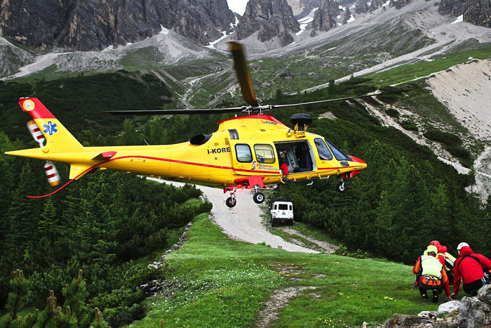 Elicottero Soccorso Alpino : Malore nei boschi sopra podenzoi gobelluno notizie