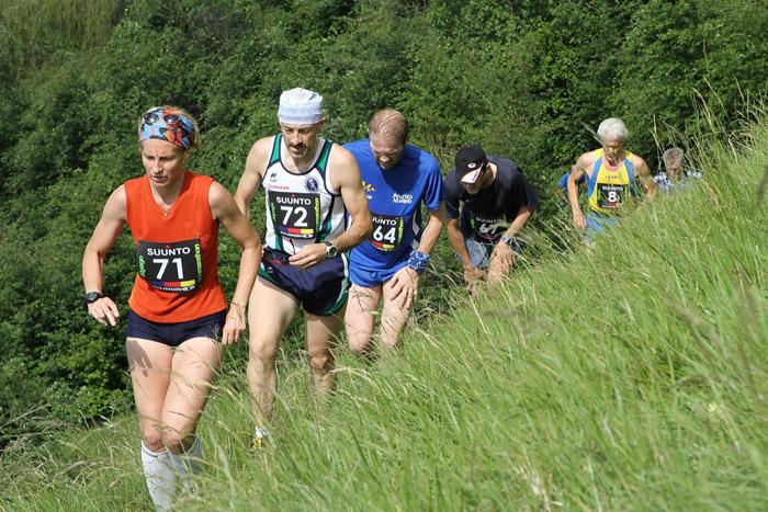 Una competizione di corsa in montagna