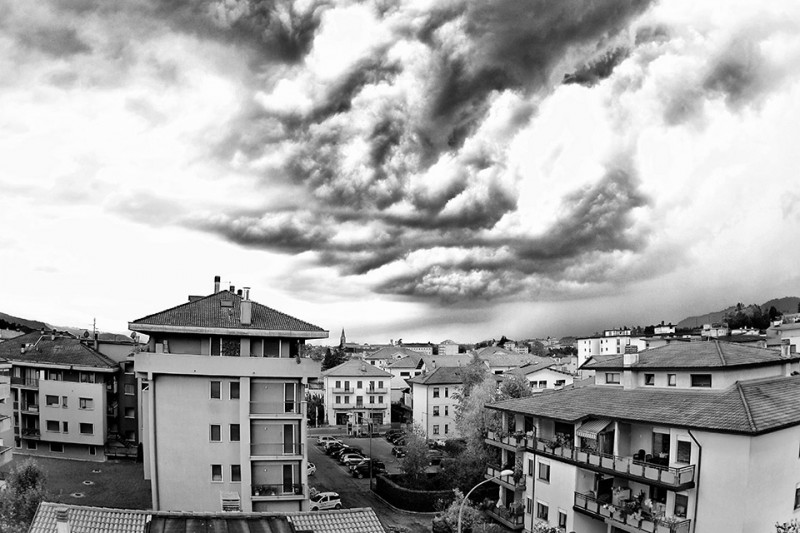 Un temporale in arrivo a Belluno (L. Mares)