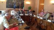 L'assessore regionale Marino Finozzi durante una riunione