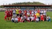 I calciatori dell'Associazione Pollicino in campo a Petrosani