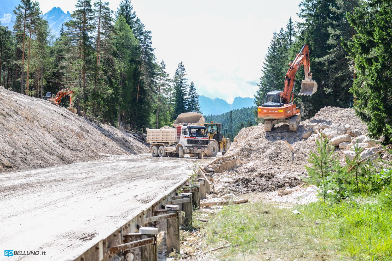 Cortina d'Ampezzo località Acquabona: lavori bonifica frana (L. Mares)