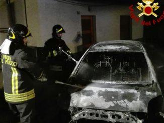 Vigili del fuoco incendio autovettura automobile Agordo